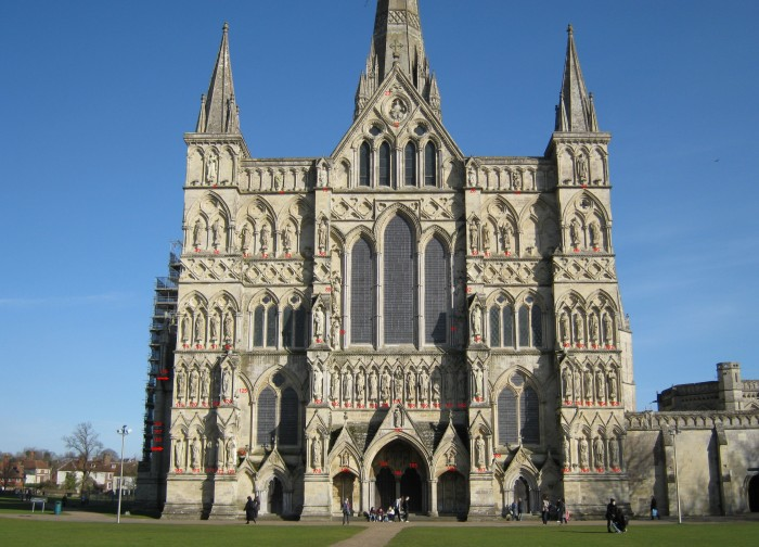 Salisbury_Cathedral_West_Front_niche_enumeration